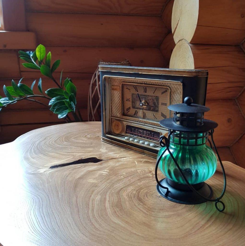 Журнальный столик из торцевого спила Карагача