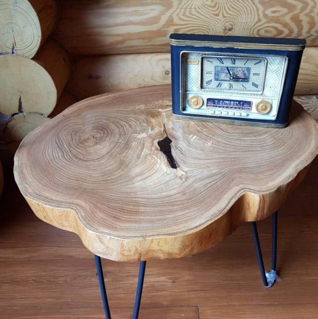 Журнальный столик из торцевого спила Карагачай